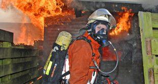 Brand eines Hausanbaus 27.03.2011